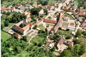 Luftbild von Hedersleben mit Kloster Sankt Gertrudis